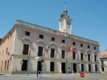 Ayuntamiento en la localidad de Alcalá de Henares